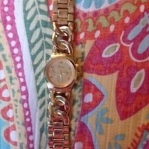 "Geneva Gold Tone Watch 8.5"""